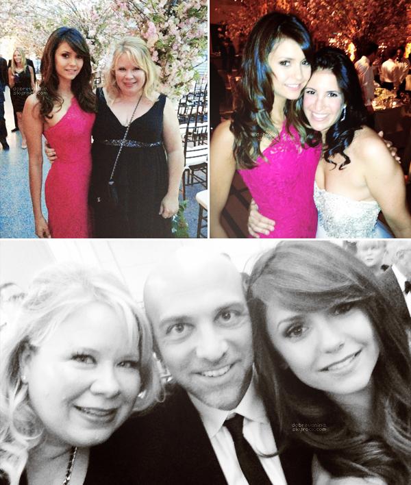 Událost 2013: Nina Dobrev, ještě v New Yorku, byla pozvána na svatbu své přátele. Krásný účes!